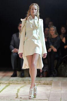 alexander mcqueen runway | Alexander McQueen - Runway Paris Fashion Week Spring/Summer 2011 ...