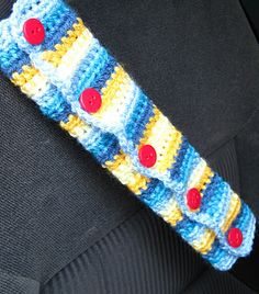 not sure what they are called but it's to stop the seat belt cutting into your neck. via The Creative Crochet Crew Crochet Car, Quick Crochet, Crochet Home, Learn To Crochet, Crochet Gifts, Crochet For Kids, Yarn Projects, Crochet Projects, Yarn Bombing
