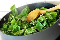 Do you love trying new recipes? Here is a delicious healthy recipe for creamed spinach. Raw Food Recipes, Gluten Free Recipes, New Recipes, Healthy Recipes, Spinach Recipes, Vegan Foods, Vegan Vegetarian, Examen Clinique, Creamed Spinach
