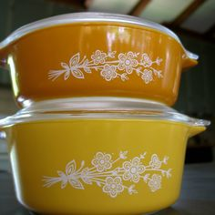 Vintage Pyrex Butterfly Pattern Casserole Dishes & Lids