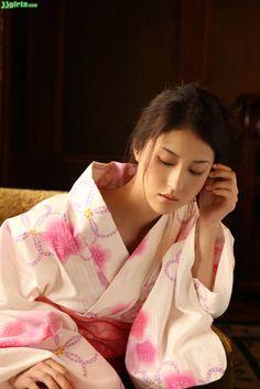 Kimono bijin