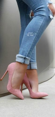 Pink Pumps, Pumps Heels, High Heels, Jeans With Heels, Heels Outfits, Cute  Heels, Fancy Shoes, Shoe Palace, Pies, Shoes, Summer Time, Summer Street  Fashion, ... 9a25a1d02c43