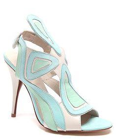 Strutt Couture, secretsales.com