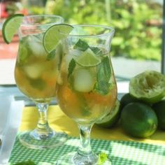 Mojito Ice Tea by @OutToLunchC is the perfect summer time drink because it's refreshing and has almost no calories. The classic minty lime combination with a hint of sweetness is a perfect way to quench your thirst and cool you down on a hot day. #IceTea #caffeinefree #CandidaFriendly #DairyFree #drink #GlutenFree #Tea #Lime #Mint #Paleo #Recipe #Stevia #SugarFree #Summer #Vegan #Vegetarian #Mojito http://www.outtolunchcreations.com/recipes/mojito-ice-tea/