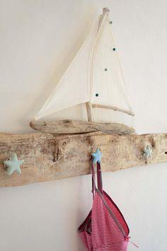 Driftwood hook bar with starfish handles / coat rack made of drift … Treibholz-Hakenleiste mit Seesterngriffen / Garderobe aus Treibholz