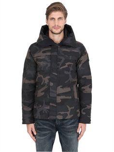 CANADA GOOSE MACMILLAN HOODED CAMOUFLAGE DOWN PARKA, BLACK CAMO. #canadagoose #cloth #coats