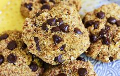 Healthy Pumpkin Chocolate Chip Oat Bars {vegan and Gluten Free} Recipe Gluten Free Baking, Healthy Baking, Healthy Treats, Gluten Free Recipes, Healthy Recipes, Vegan Treats, Vegan Foods, Vegan Snacks, Healthy Food