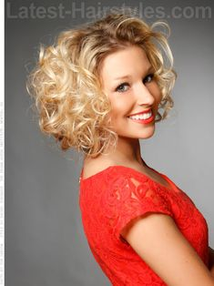 Born to be Fab Light Blonde Curly Look with Volume for Long Faces