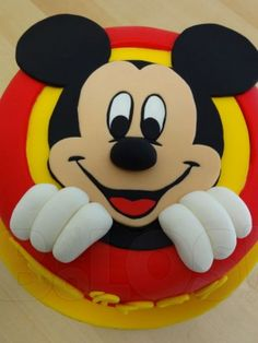 Image via Mickey Mouse Birthday Cakes and cupcakes Image via Disney Halloween Wedding Cakes to Sink Your Teeth Into Image via Mickey Mouse cake Image via Minnie and Mickey Bolo Do Mickey Mouse, Mickey And Minnie Cake, Bolo Minnie, Mickey Cakes, Minnie Mouse Cake, Mickey Mouse Parties, Mickey Party, Disney Parties, Theme Mickey