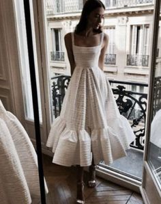fashion, outfit, and style image - Damen Mode 2019 Pretty Dresses, Beautiful Dresses, Gorgeous Dress, Look Fashion, Fashion Outfits, Dress Fashion, Fashion Clothes, Trendy Fashion, Fashion Women
