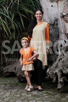 Baju sarimbit (pasangan) ibu (Niki) & anak (Mavensi) jadi tambah kompak ibu & anak untuk kegiatan keluarga sehari-hari  Nb: untuk info lebih lanjut bisa koment ke komunitas PT.Savero Fashion & AIKENware
