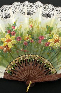 Hand painted fan - bright and delicate. Antique Fans, Vintage Fans, Hand Held Fan, Hand Fans, Painted Fan, Hand Painted, Chinese Fans, Fan Decoration, Lace Painting