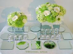 DIY Mirror Box Centerpiece and Mirror Mosaic Table Runner Overview Carnation Centerpieces, Flower Box Centerpiece, Diy Centerpieces, Flower Arrangements, Flower Centrepieces, Centerpiece Wedding, Mirror Box, Diy Mirror, Mirror Ideas