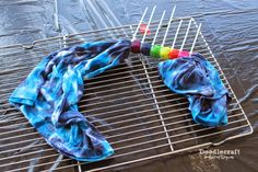 Learn to tie dye! Learn to tie dye! : 6 steps (with pictures) - InstructablesTie dye party! Learn to tie dye! Learn to tie dye! Tye And Dye, Tye Dye, Rainbow Tie Dye Shirt, Diy Tie Dye Designs, Tulip Tie Dye, Diy Tie Dye Techniques, Diy Tie Dye Shirts, Diy Shirt, Cut Up Shirts