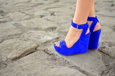 love this royal blue wedge