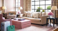Claridge's luxury hotel suites and rooms in Mayfair, London. Hotel Suites, Luxury Suites, Penthouse Suite, Luxury Rooms, London Hotels, Luxury Accommodation, Pent House, Interior Decorating, Living Room