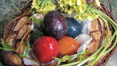 #Tvoření - obarvěte si s námi #velikonoční #vajíčko pomocí barev a voskovek. #Tvořenínásbaví