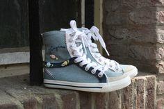 kidShoes outlet. VINGINO model Jill van €49,95 nu voor €24,95,-