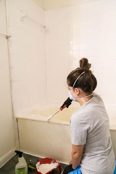 How to paint your bathtub using Rust-Oleum's Tub & Tile Refinishing Kit. It's easy to refinish your tub and shower with this kit and you won't believe how much better it looks afterwards! Bathroom Tub Shower, Bathtub Tile, Diy Shower, Bathtub Redo, Bathtub Makeover, Paint Bathroom, Simple Bathroom, Bathroom Ideas, Bathroom Things