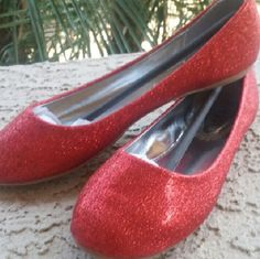 Gitter ballerina Flats These are red glitter ballerina Flats by Anna Footwear. These flats are made for narrow to medium with foot Shoes Flats & Loafers