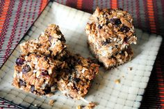 lactation granola bars...I plan to make some of these ahead of time so I have some healthy lactation snacks when I get home from the hospital!