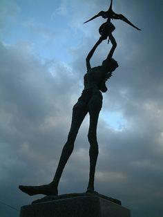 the statue,onomichi