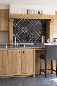 Living Room Kitchen, Kitchen Decor, Unfitted Kitchen, Kitchen Units, Modern Farmhouse Kitchens, Cuisines Design, Rustic Interiors, Storage Cabinets, Kitchen Remodel