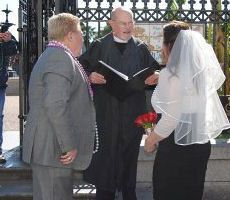 New Orleans Weddings Elope To The Gate At Jackson Square