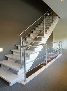 een open trap naar zolder om meer licht in gang 1e etage te krijgen?