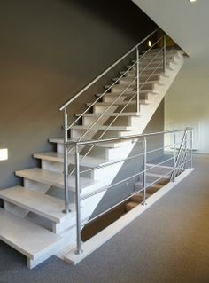 1000 images about trappen on pinterest stairs arnhem and tes - Huis trap licht ...