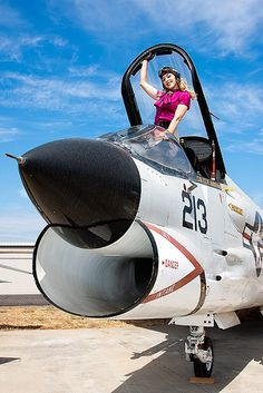 Beauty in the Beast: Vought F8U (F-8) Crusader | por Ernie Visk