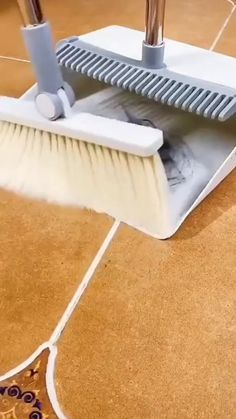 Cool Gadgets To Buy, Cool Kitchen Gadgets, Home Gadgets, Cool Kitchens, Kitchen Stuff, Household Cleaning Tips, House Cleaning Tips, Cleaning Hacks, Household Products