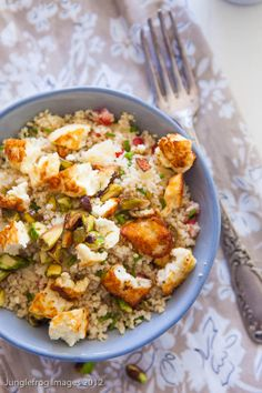 Couscous salad with halloumi and apple