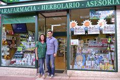 Os dejamos el resumen de la firma de discos con +Manu Tenorio hace una semana en la franquicia de Torrejón.  ¡Una tarde en la que pudimos compartir risas y buena compañia gracias a la labor de Raquel Alonso!