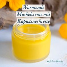 Warming Muscle Cream for massage and care of overused muscles - Arzneimittel selbstgemacht - Pflege Natural Home Remedies, Natural Healing, Herbal Remedies, Health Remedies, Cold Remedies, Headache Remedies, Natural Oil, Holistic Healing, Massage