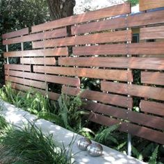 Backyard privacy fence ideas - large and beautiful photos. Photo to select Backyard privacy fence ideas Garden Privacy, Backyard Privacy, Privacy Fences, Backyard Fences, Garden Fencing, Backyard Landscaping, Bamboo Fencing, Garden Gate, Privacy Screens