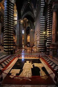 Cathedral Siena. Interior. Italy