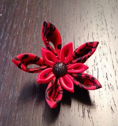 Red and Black Kanzashi Flower Lapel Pin by DidiArtCorner on Etsy