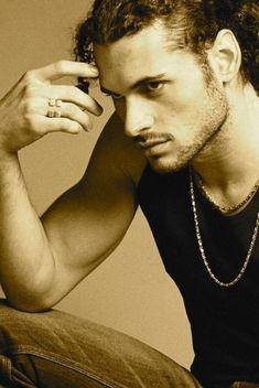 Adán Canto, actor, cantante y ¡mutante!, el mexicano que se une a Halle Berry y Hugh Jackman en X-Men