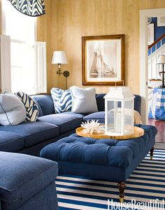 Blue-and-white library. Designer: T. Keller Donovan. Photo: John Gould Bessler. housebeautiful.com