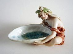 Royal Dux Art Nouveau 'Water Nymph with Shell' Vide Poche c1900