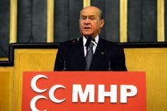 Devlet Bahçeli: Başbakan AKP'nin yüz akı İdris Naim Şahin'i kurban verdi