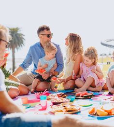 Three in four parents admit they're too busy to spend time together as a family due to the pressures of modern day life, new research reveals. Social Activities, Family Activities, Understanding The Times, Each Day, Work Life Balance, Energy Level, Quality Time, Beach Trip, Parents