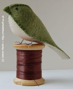 felt bird - this would be so cute as an ornament or part of a tablescape. yes please!