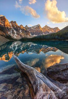 by Chris Babida Acaso, Moraine lake, Banff national Park Alberta, Canada Landscape Photos, Landscape Photography, Nature Photography, Travel Photography, Cool Landscapes, Beautiful Landscapes, Parc National De Banff, Moraine Lake, Photos Voyages