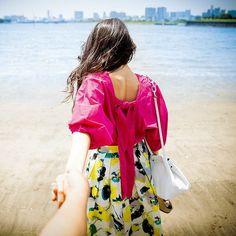 7月号「私たち、インスタジェニックに生きていく!」では、インスタについて特集中 #手をつないでカップルフォト #メロディー洋子 #カップル #couple #東京 #海 #ビーチ #beach #夏 #japan #インスタジェニック #フォトジェニック #撮影 #andgirl #アンドガール Floral, Skirts, Fashion, Moda, Fashion Styles, Flowers, Skirt, Fashion Illustrations