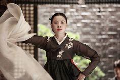 Han Hyo Joo ^^ #tradition #korean #actress