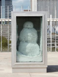Peter Fischli and David Weiss, Snowman at the Art Institute of Chicago.