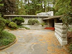 Toufic H. Kalil Residence, Manchester NH (1955) | Frank Lloyd Wright | Photo © Douglas M Steiner