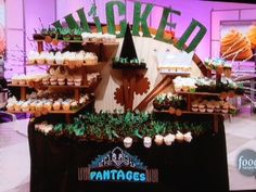 winning cupcake wars stand from the wicked episode. Yummy cupcakes and cool display by the cake mamas.